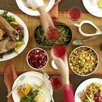 8 tips to keep your healthy goals through the holidays!
